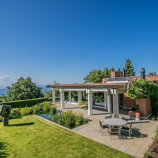 First class property with spectacular panorama view